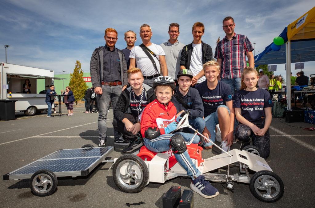 Gemeinsam stark: Rennfahrer Paul Agethen mit Team Lichtenau und Unterstützern